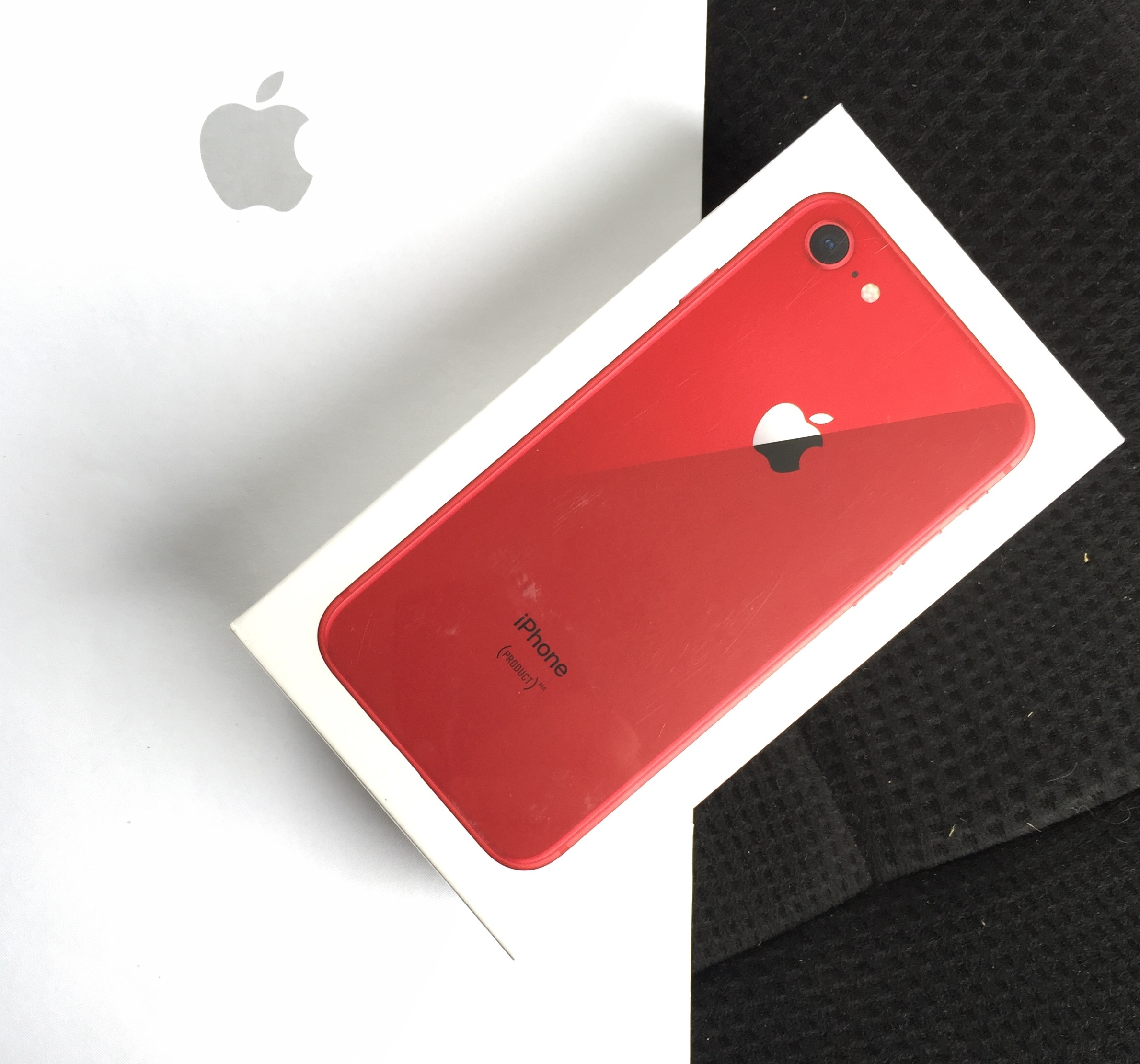 Buy iPhone 8 (PRODUCT)RED™ from U.S. Apple Store
